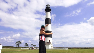 OUTER BANKS linda hugging lighthouse